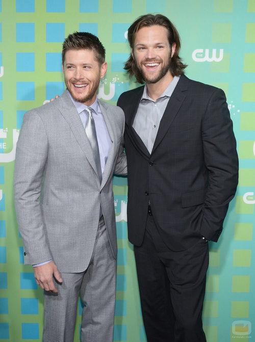 Jensen Ackles y Jared Padalecki de 'Supernatural' en los Upfronts 2012 de The CW