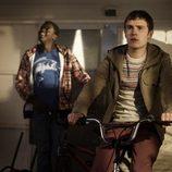 Iain De Caestecker y Daniel Kaaluya en una imagen de 'The Fades'