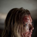 Natalie Dormer en 'The Fades' con la cara ensangrentada