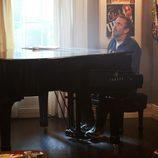 House toca el piano durante el capítulo