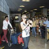 Pastora Soler saluda a sus fans en su regreso a España tras Eurovisión 2012