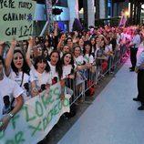 Los fans de 'Gran Hermano' se agolpan en las puertas de Telecinco