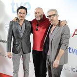 José Manuel Seda, Juan Fernández y Eduardo Velasco en el estreno de '14 de abril. La República' e 'Isabel'