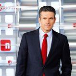 El presentador de noticias Roberto Arce