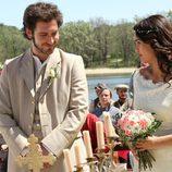 Tristán y Pepa se sonríen durante la ceremonia