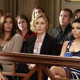 Susan, Lynette y Gabrielle en el juicio