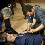 Fran Perea trata de ayudar a César Goldi en 'Luna, el misterio de Calenda'
