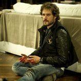 Daniel Grao con las manos manchadas de sangre en 'Luna, el misterio de Calenda'