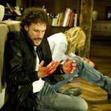 Raúl se muestra preocupado por el cuerpo de Fernando en 'Luna, el misterio de Calenda'