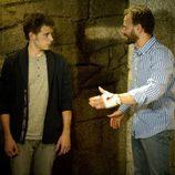 Fernando habla con su hijo en 'Luna, el misterio de Calenda'