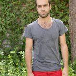 El actor Carlos Serrano, posando