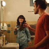 Zooey Deschanel y Jake Johnson comparten piso en 'New Girl'