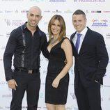 Emilio Pineda, Pilar García Muñiz y Enric Company en los Premios Iris 2012