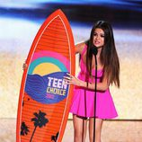Selena Gómez recoge su premio en los Teen Choice Awards 2012