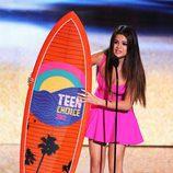 Selena Gómez recoge su premio en los Teen Choice Awards 2012