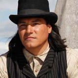 Eddie Spears interpreta a Joseph Black Moon