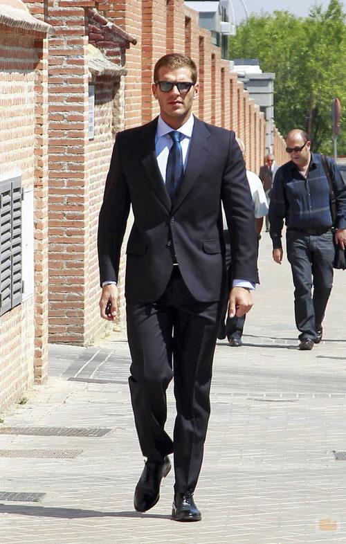 Darek a su llegada al funeral de José Luis Uribarri