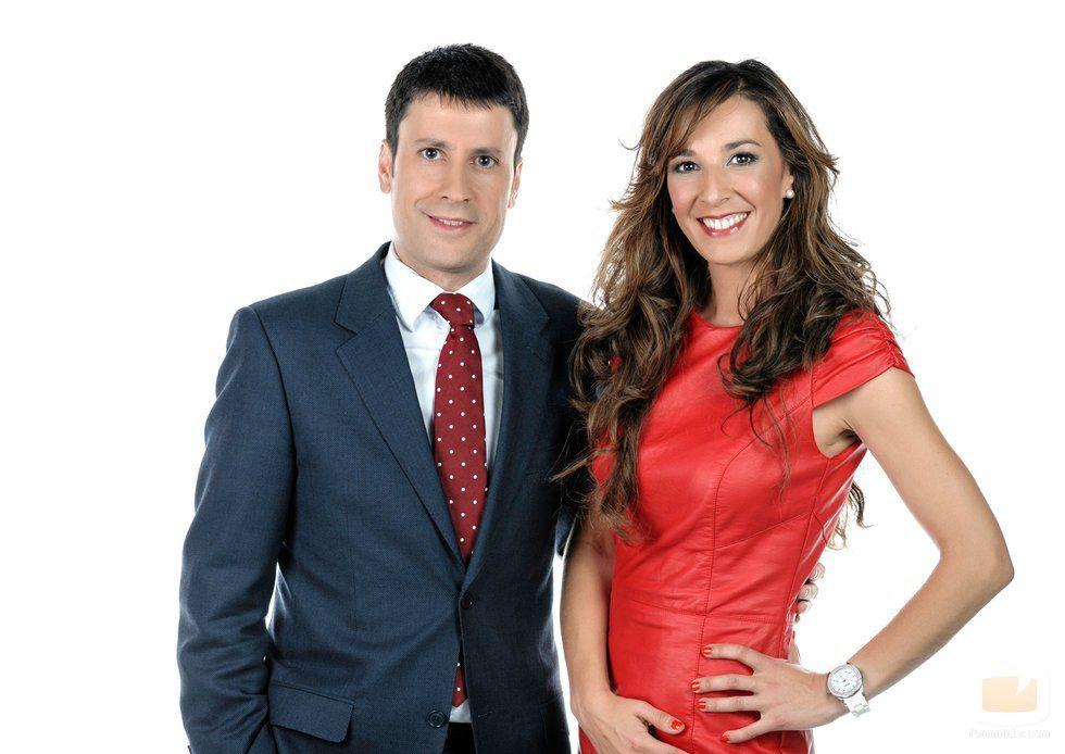 los presentadores José Luis Pérez y Marisa Páramo