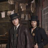 Kevin Corcoran (Tom Weston-Jones) y Maguire (Kevin Ryan)