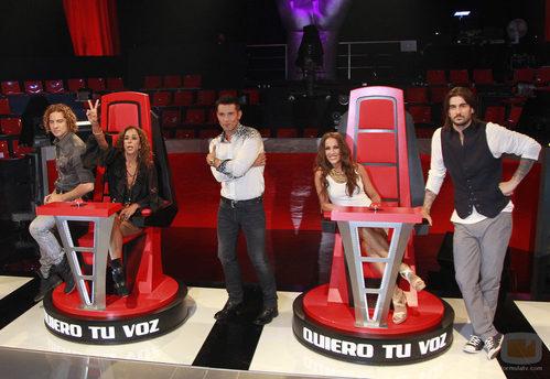 El presentador y los coaches de 'La Voz' en el plató del programa