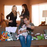 Maya Rudolph, Christina Applegate y Will Arnett en 'Sin pegar ojo'