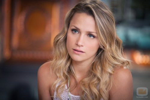 Shantel VanSanten como Quinn James en la novena temporada de 'One Tree Hill'