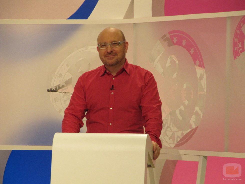 El presentador Javier Capitán