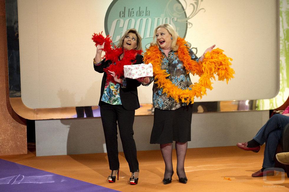 María Teresa Campos y Eugenia bailan en una escena de 'Aída'