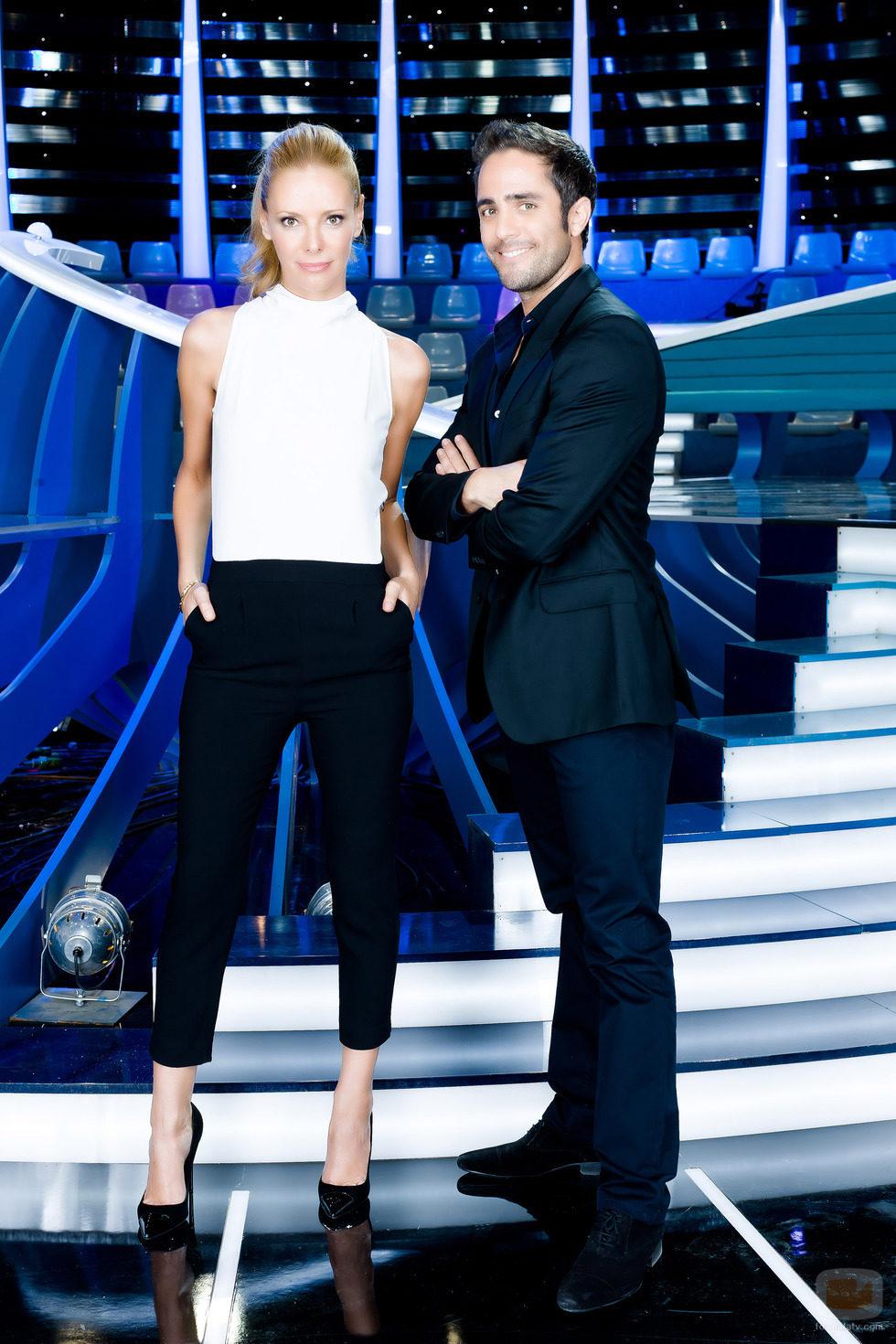 Paula Vázquez y Roberto Leal, presentadores de 'Te lo mereces'