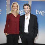 Anne Igartiburu y Roi Groba, presentadores de '+Gente'