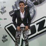 Jesús Vázquez, con un pantalón de guitarras eléctricas en la première de 'La Voz'
