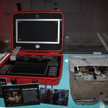 La maleta satélite de 'El Barco' en la exposición del FesTVal 2012
