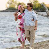 Jack y Jackie Kennedy dan un paseo por la playa