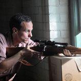Lee Harvey Oswald, el futuro asesino del presidente, hace prácticas de tiro