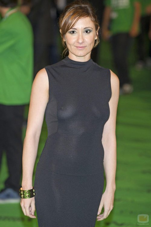 Nathalie Poza en la alfombra verde del FesTVal de Vitoria