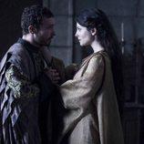 Enrique IV y su mujer Juana de Avis en 'Isabel'