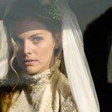 Amaia Salamanca vestida de novia en la segunda temporada de 'Gran Hotel'