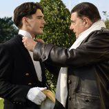 Yon González y Juan Luis Galiardo en la segunda temporada de 'Gran Hotel'