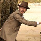 Javier Alarcón se esconde en la segunda temporada de 'Gran Hotel'
