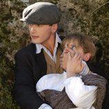 Julio tapa la boca a Belén en la segunda temporada de 'Gran Hotel'
