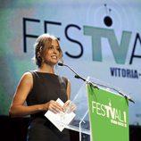 Sandra Sabatés presentó uno de los premios de la ceremonia de clausura del FesTVal de Vitoria