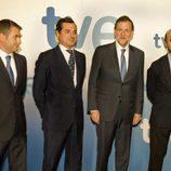 Mariano Rajoy posa con los directivos de TVE tras su entrevista
