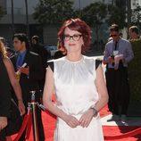 Megan Mulllally en los Creative Arts Emmys