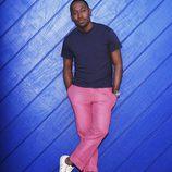 Lamorne Morris con el pantalón rosa en 'New Girl'
