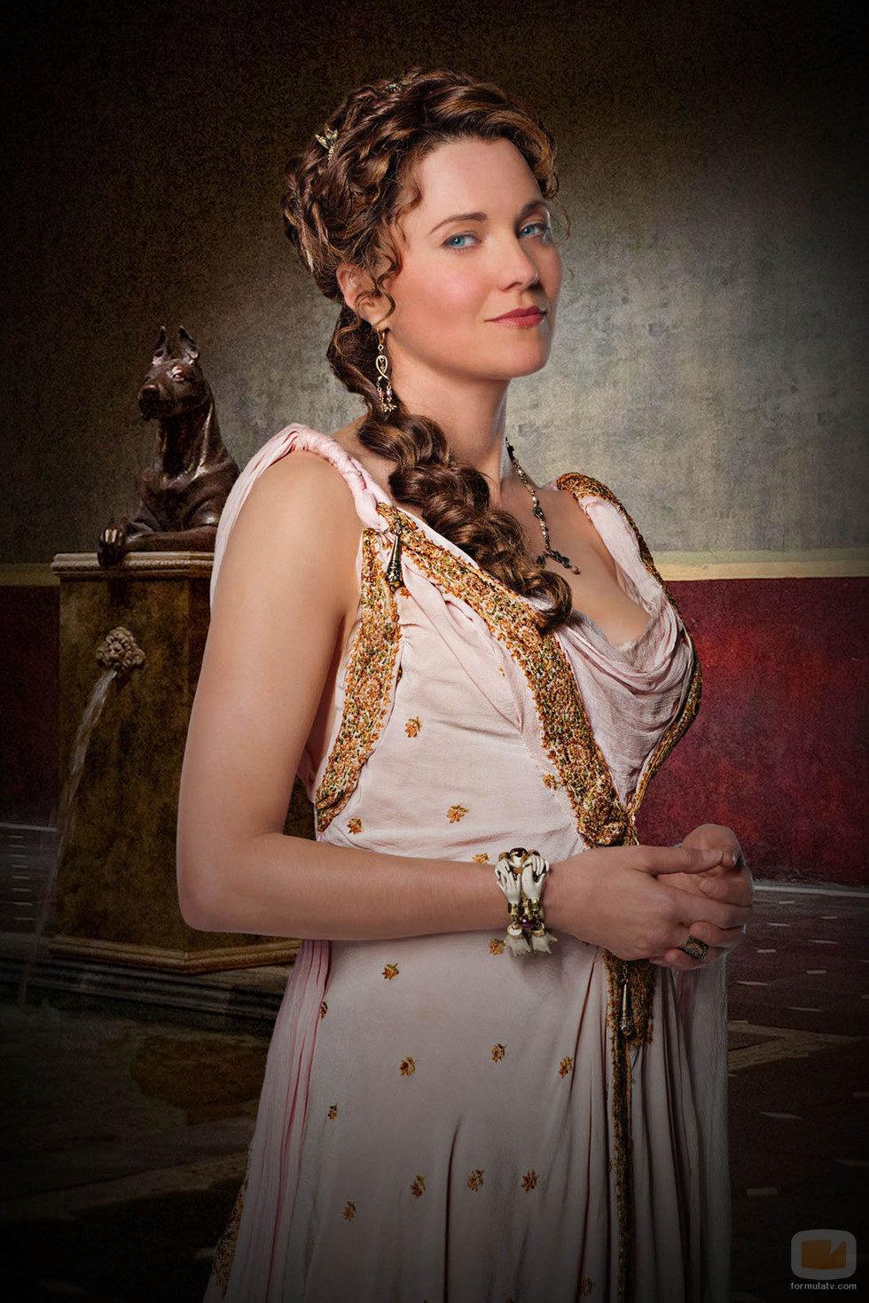 Lucy Lawless es Lucretia en 'Spartacus: Dioses de la arena'