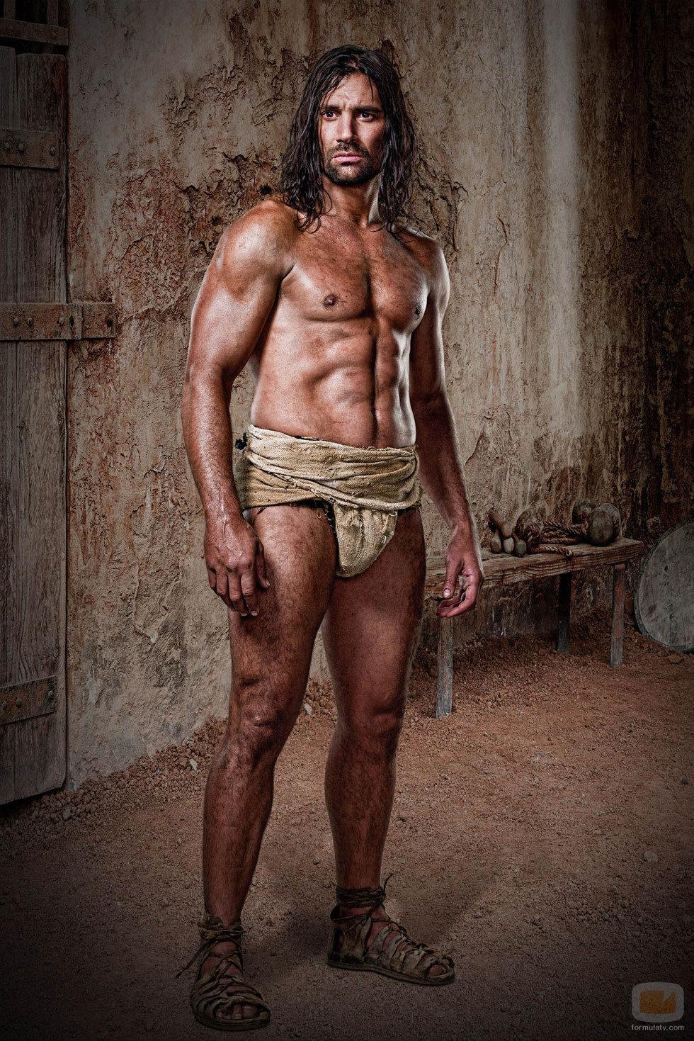 Manu Bennett es Crixus en 'Spartacus: Dioses de la arena'
