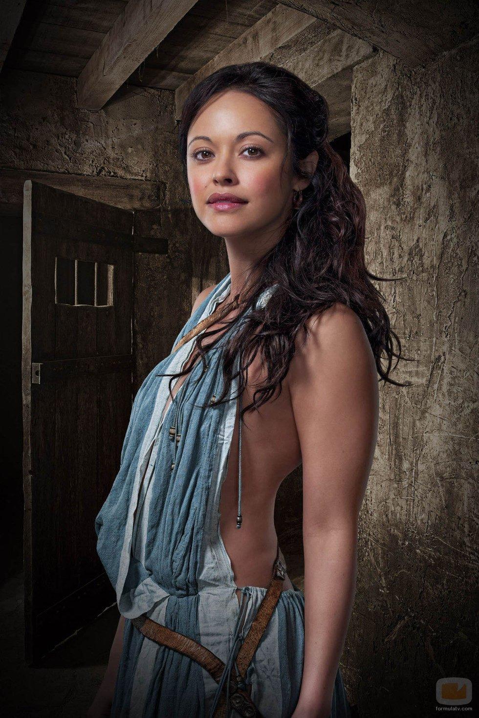 Marisa Ramirez es Melitta en 'Spartacus: Dioses de la arena'