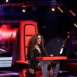 Rosario Flores en su silla giratoria de 'La Voz'