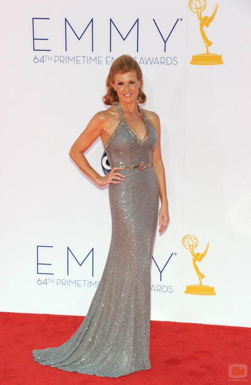 Connie Britton en la alfombra roja de los Emmy 2012