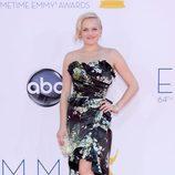Elisabeth Moss en la alfombra roja de los Emmy 2012